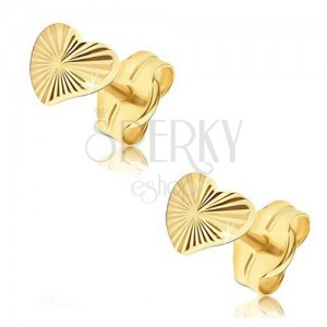 Earrings made of yellow 14K gold - irregular shimmering hearts, radial grooves