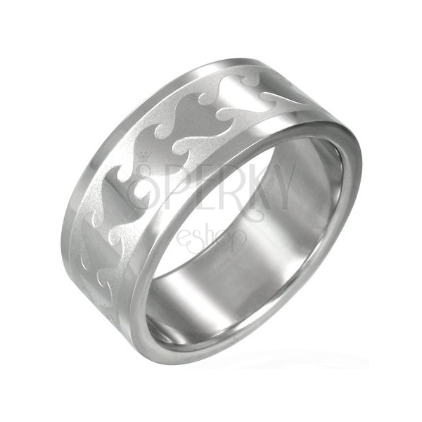 Stainless steel ring with shiny flame pattern on matt background