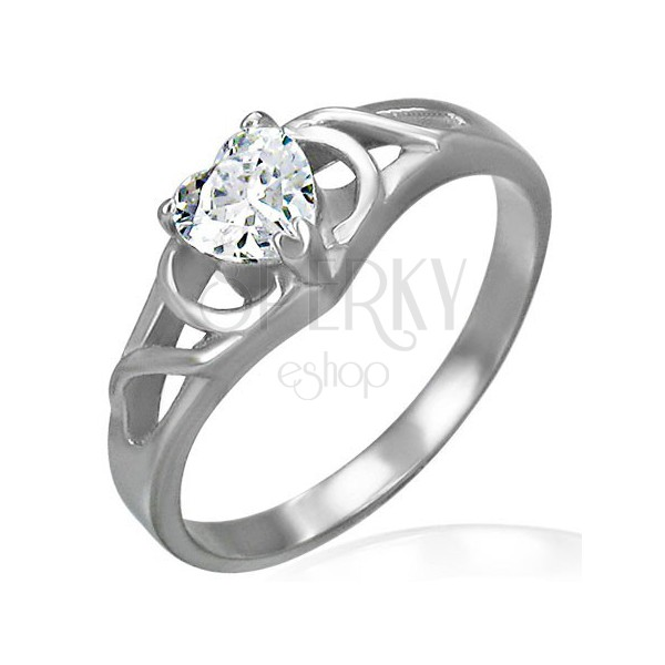 Knot band engagement ring with heart-shaped zircon
