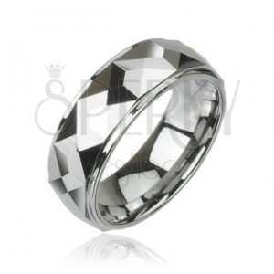 Tungsten ring with prism pattern