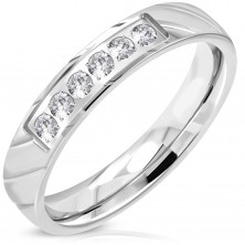 Ring made of 316L steel, silver hue, glistening clear zircon line, 4 mm