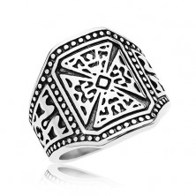 Massive ring in silver colour, 316L steel, Maltese cross, decorated shoulders