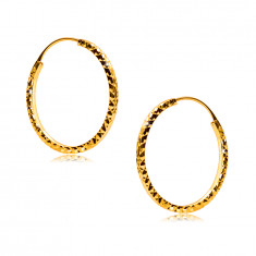 Round earrings in 375 yellow gold decorated with diamond cut, square shoulders, 18 mm