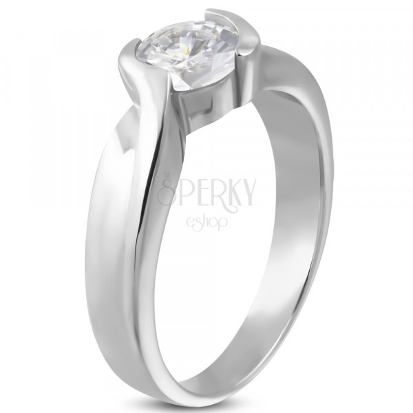 Engagement ring with tangled band and zircon