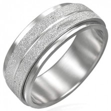 Stainless steel ring with spinner sanded middle ring
